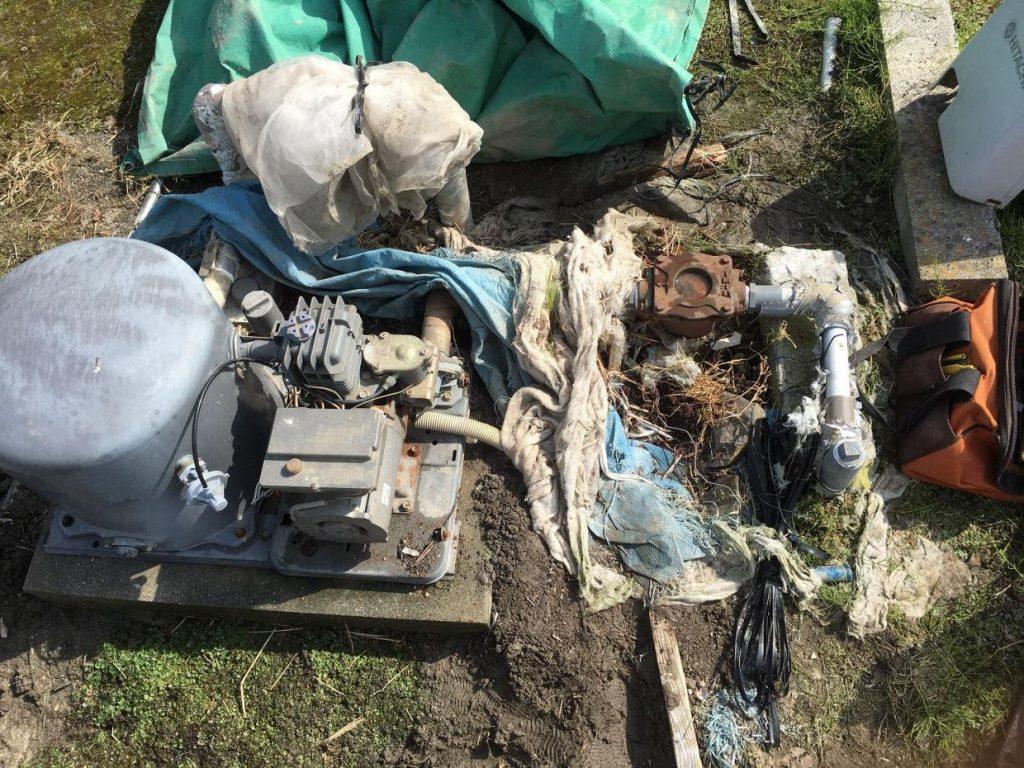 砂こし器の取替作業
