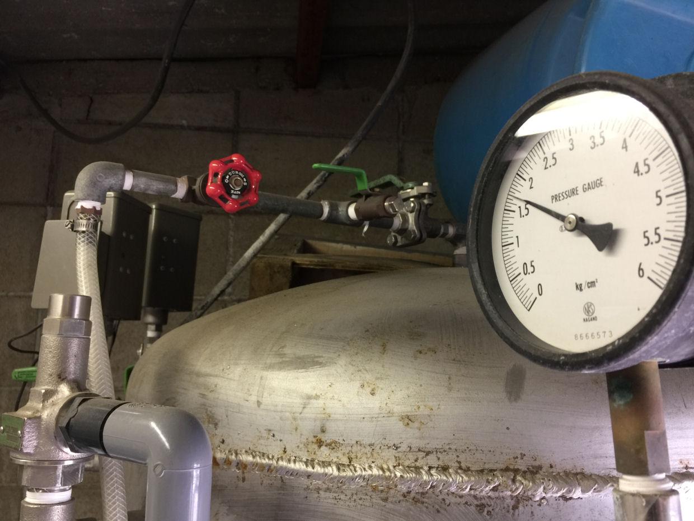 給水機器の定期メンテナンス