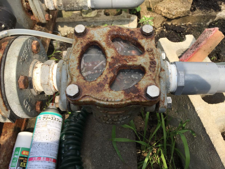 砂こし器カバーとゴムの逆止弁損傷による交換と補助対応