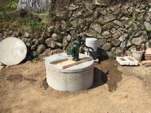 破損した古井戸を修繕!ポンプ取付工事