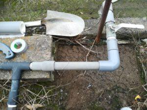 凍結して破損した給水管の修理(伊予郡松前町)