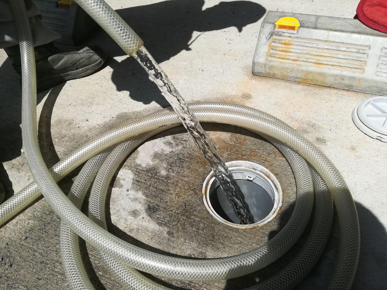 仮設水中ポンプで揚水試験