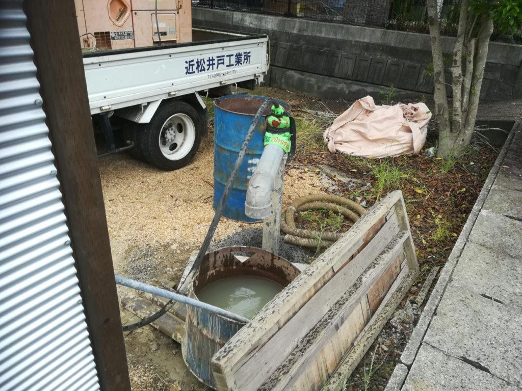 ボーリング井戸掘削後は井戸洗浄作業のため機材撤去