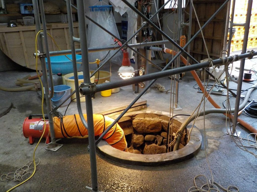 石積み井戸の洗浄