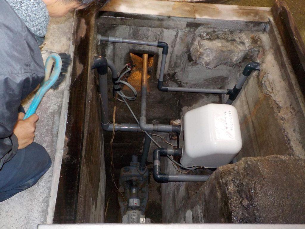 地下ポンプピット内の清掃