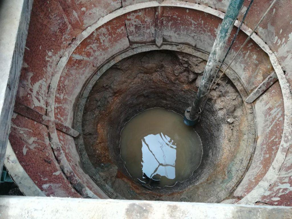 掘井戸掘削