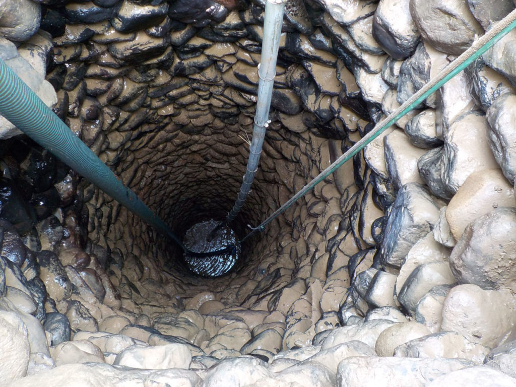 古井戸の埋め戻し工事