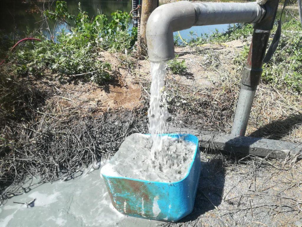 海水井戸で、無事に海水を発見