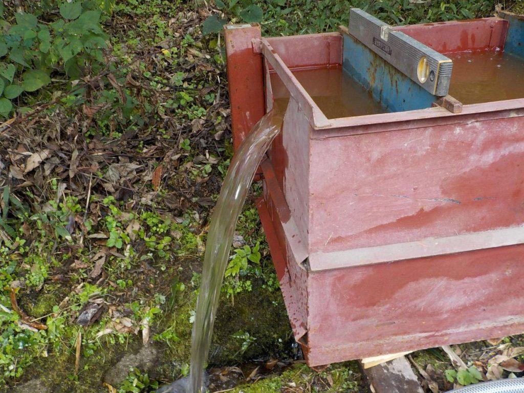 井戸の水量調査