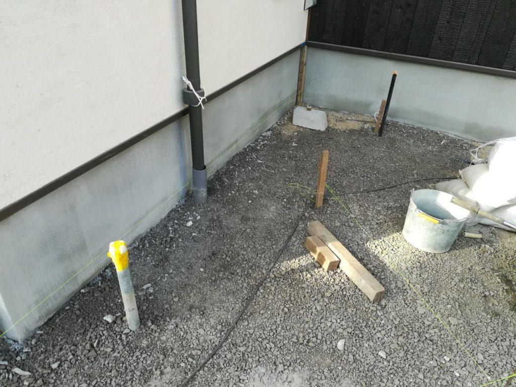 打抜き井戸にポンプ取付