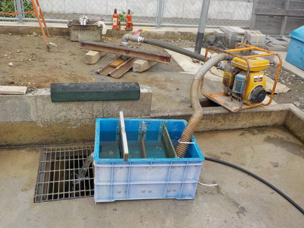 打抜き井戸 簡易水量調査