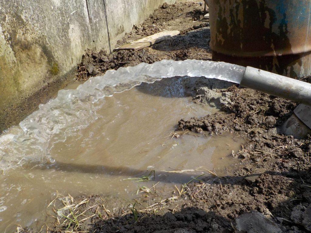 仮設ポンプで揚水試験 簡易水量調査