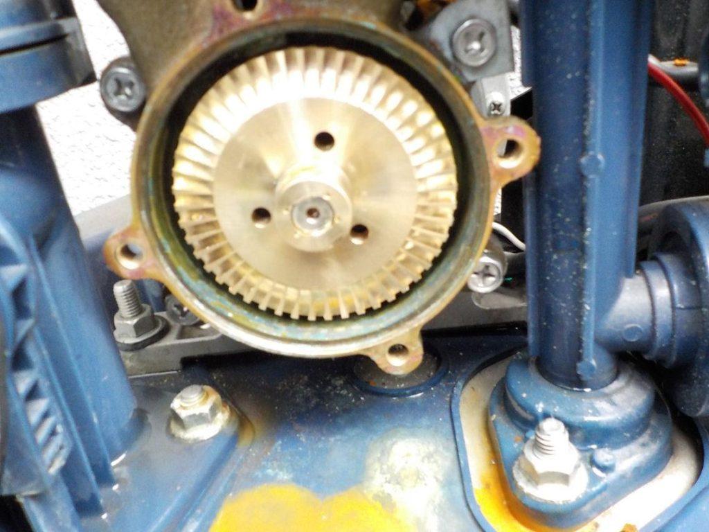 ポンプ修理 日立製WT-P300V インペラ交換