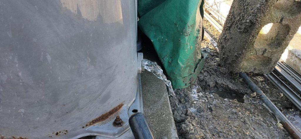 井戸掃除で水量回復(松山市中西内)